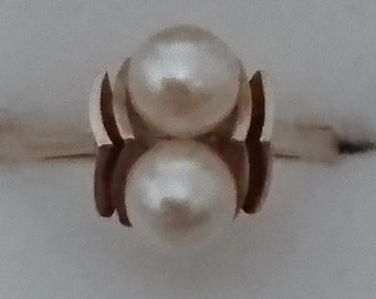 Vintage 9ct gold and real Pearl ring