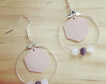 Earrings silver hoop shaped faceted glass beads and pink geometric Hexagon