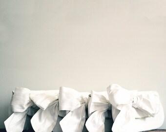 Ivory Wedding Clutch Purse, Bridal Clutch Bag, Bridesmaid Personalized Clutch, Bow Clutch, Clutch for Bride, Wedding Day Clutch, Ivory Purse