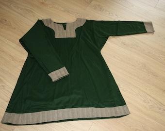 Viking woolen tunic green with herringbone edges