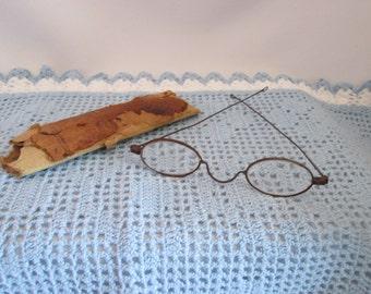Vintage sunglasses / glasses form