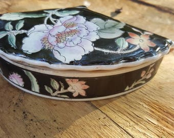 Vintage Oriental Porcelain Trinket Box/ Keepsake Box