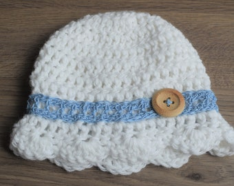 Crochet Newborn Baby Hat, Scalloped Summer Baby Hat with Lace Accent