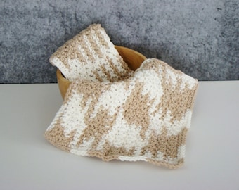 Beige and White Spa Set, Crochet Spa Cloth, Cotton Wash Cloth Set, Crocheted Homegoods, Eco Friendly Spa Cloth, Bathroom Spa Cloth, Set of 2
