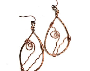 Handmade Copper Earrings with Spiral Detail, Hammered Copper Earrings, Wire Wrapped Earrings, Dangle Earrings, Boho Earrings