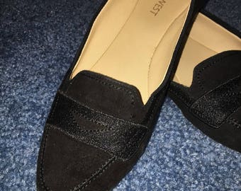 Vintage Nine West Rounded-Toe Flats in Black