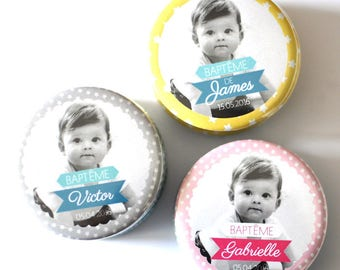 1 button or magnet picture child baptism / peacock blue, yellow or pink
