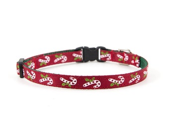 Christmas Collar // Cats & Little Dogs // 3/8 inch width // Breakaway or Standard Buckle // Pattern: Candy Canes on Dark Red
