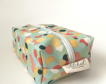 Boxed Zipper Pouch
