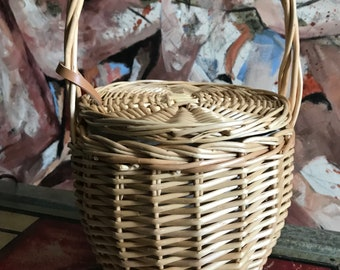 Women's Rattan Basket Bag Perfect For The Summer Months - Top-Handle Wood Bag