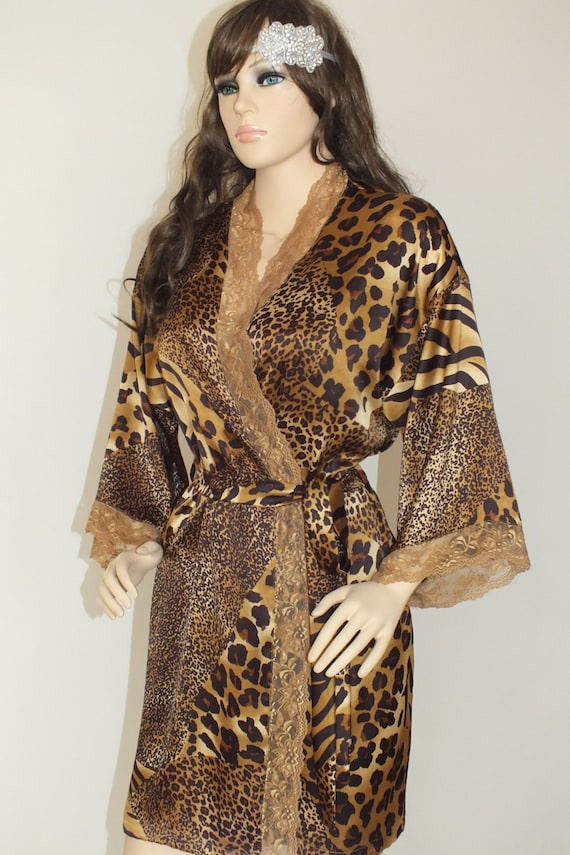 Natural Gabon Leopard-Print Jersey Robe 0f0a855be