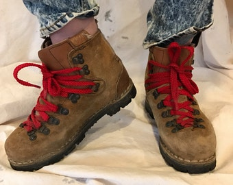 Vintage heavy duty hiking boots 8.5