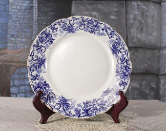John Maddock and Sons Royal Vitreous England Rococo Flow Blue Plate 9 inch Blue white wall hanging