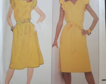 Butterick 4387, Misses Dress Sewing Pattern