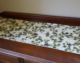 Grapevine Table Runner