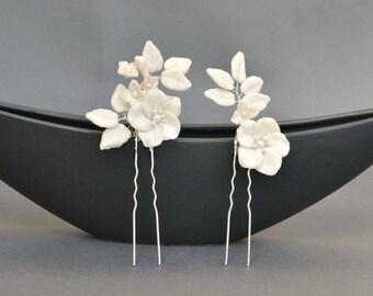 Bridal hair pins, white hair pins, bridal hair pin set, romantic hair pins, floral hair pins