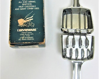 Irvinware Aluminum Ice Crusher 1984 Hand held Ice Cube Smasher Breaker Vintage Barware Bar Tool Kitchen Gadget