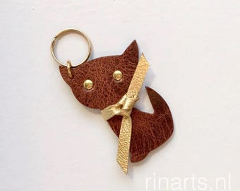 Leather Cat keychain / cat bag charm Kitten Meow in brown and turquoise veg tanned leather. Gift for cat lovers. Holiday gift