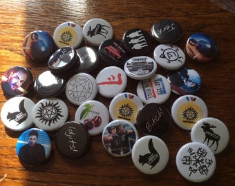 Pack of 4 badges