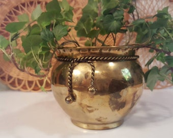 """Vintage 5.25""""  brass planter with braided rope trim.  Rustic. Eclectic. Boho. Nautical. Coastal."""