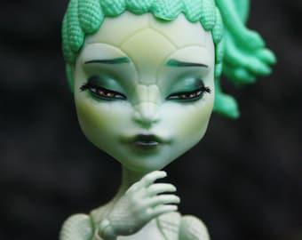 Monster High ooak doll repaint, Mounss