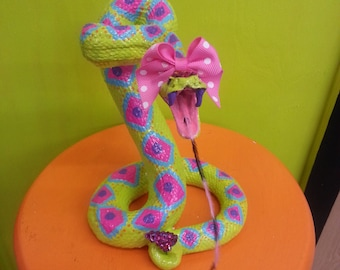 Fierce Diva Ceramic Rattlesnake Animal Faux Taxidermy Statue Home Decor