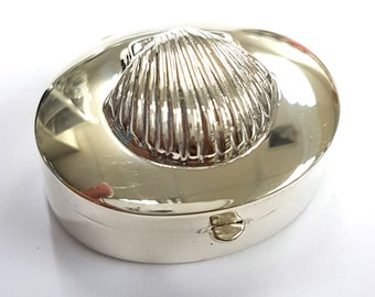 Art nouveau style Nautical Shell Pill Trinket Snuff Box 925 Sterling Silver Vanity