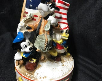 """Vintage Disney Music Box 1776-1976 """"Battle Humn of the Republic"""" Mickey Mouse, Goofy and Donald Duck"""