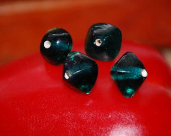 6 Pearl Indian shape 11x13mm bicone green glass
