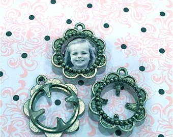 Flower Frame Charm- 4 pieces-(Antique Pewter Silver Finish)