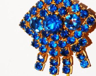"""Vintage gold tone Blue Rhinestone 2"""" x 1.5"""" Brooch."""
