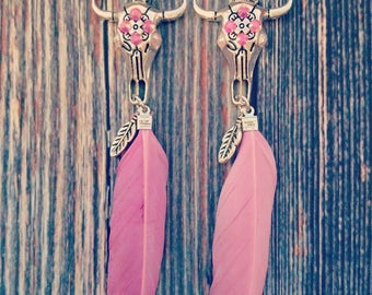 Buffalo earrings in the color pinkie are also very cool