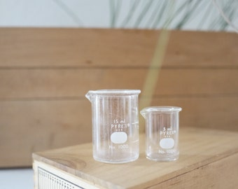 vintage glassware // collection of teeny tiny 5 ml and 15 ml beakers
