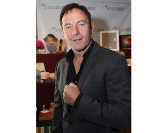 Black Paracord Bracelet, Survival Jewelry as seen on Jason Isaacs, Outdoor Wilderness Boating Accessories for Him, Essential Oils Diffuser