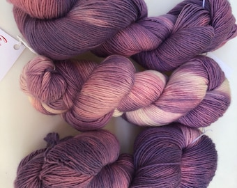 Variegated wool - Merino wool -  hand dyed wool- yarn-indie dyed -merino Variegated- sock yarn -hand dyed Sock- fingering weight variegated