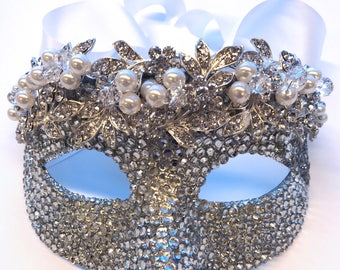 Diamonds & Pearls Masquerade Mask