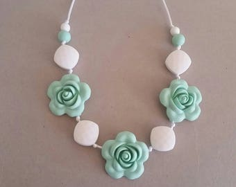 Silicone beaded Teething Necklace, White and Mint Green, Teething Necklace for Mom, Sensory Beads, Teething Beads, BPA Free, Fidget