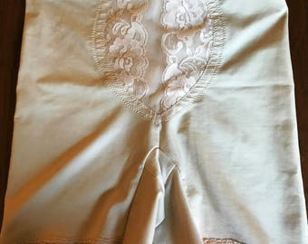 Lacy Girdle with Serious Intentions