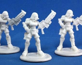 Nova Corp Female Soldiers (3) - 80013 - Reaper Miniatures