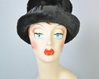 Artful Dodger Hat / Vtg 50s / Selene Made in Italy Fur Velour tall crowned Hat / Top hat / Artful Dodger