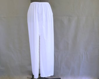 Vintage Long White Slip from Vanity Fair 31 Inches - Modern Size 6 to 8, Small