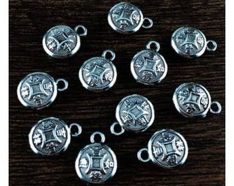 5 small pendants good luck Chinese signs, good luck in antique silver