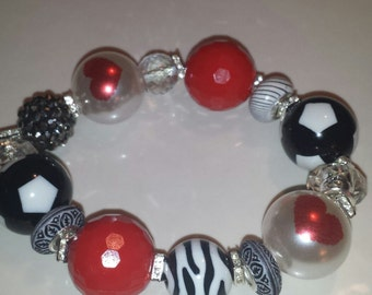 valentine red black and white chunky beaded bracelet