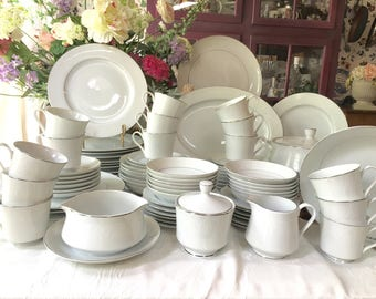 Stunning Crown Victoria service for 12 Dinnerware Set 90 pieces Made in Japan Wedding Gift