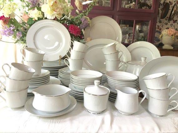 & Stunning Crown Victoria service for 12 Dinnerware Set 90