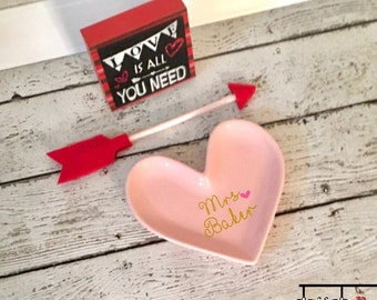 Pink Heart Shape Ring Dish/ Wedding Ring Dish/ Customized Ring Dish/ Ring Holder/ Monogrammed Ring Dish/ Jewelry Holder/ Ring Dish