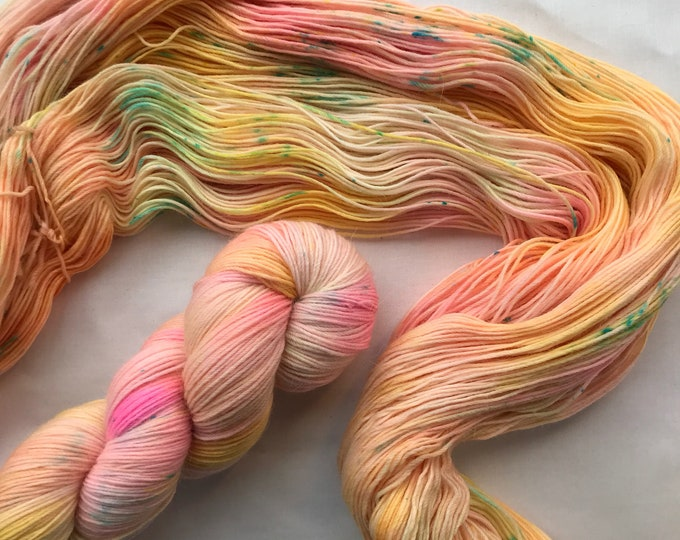 """Each Peach Pear Plum"" 100g Superwash Merino / Alpaca / Nylon Yarn 4 ply"