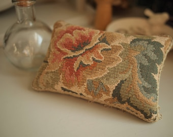 Vintage English Fabric Pin Cushion