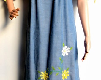 Frida kahlo clothing style, Mexican maxi dress, long vestido mexicano, blue denim maxi dress, floral dresses mexico, blue dress mexican