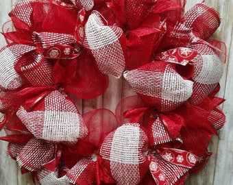 Red and white christmas snowflake wreath